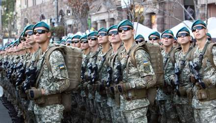 За заключение контракта с ВСУ с 2021 года будут платить от 18 тысяч гривен