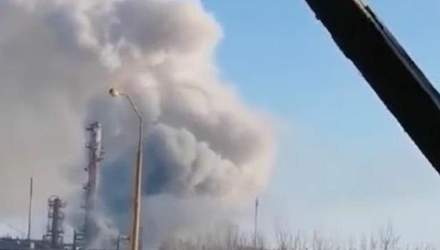 На заводі у Калуші стався викид хімікатів: є постраждалий – моторошне відео