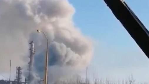 На заводе в Калуше произошел выброс химикатов: есть пострадавший – жуткое видео